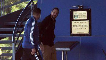 Gonzalo Higuain ayer en el predio que la AFA posee en Ezeiza.