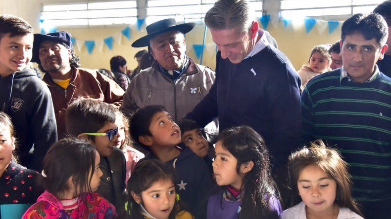 Cushamen fue la sede del acto  central del 25 de Mayo en Chubut