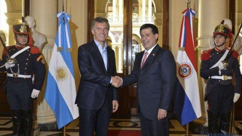 El presidente de Paraguay, Horacio Cartes, renunció para asumir como senador