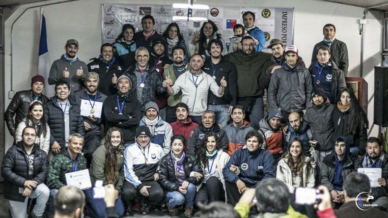 Los cazadores submarinos de la Patagonia argentina y chilena que desafiaron su potencial en las costas de Valdivia.