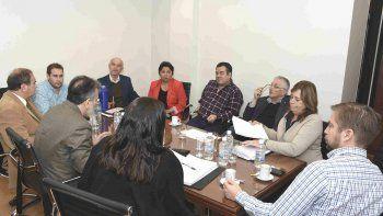 Funcionarios del Ministerio de Economía, con Alejandro Garzonio a la cabeza, presentaron sus argumentos ante los diputados.
