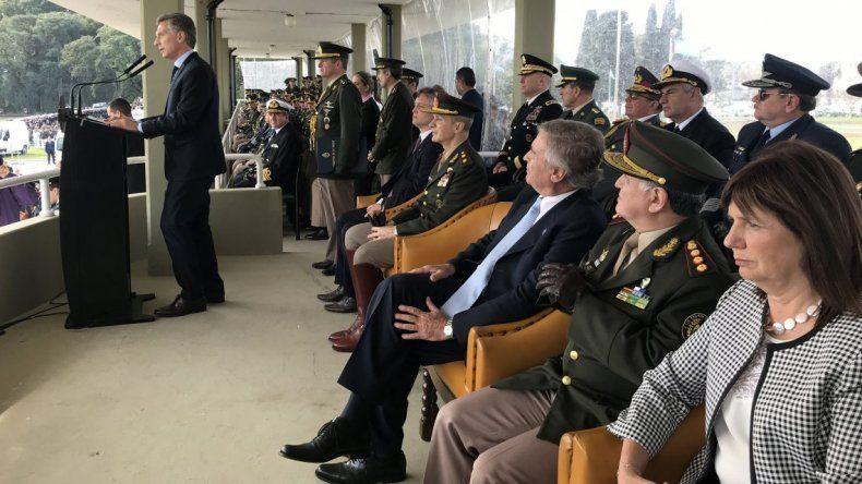 Macri quiere involucrar a las Fuerzas Armadas en tareas de seguridad