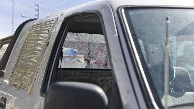 Así quedó la camioneta de los hermanos Vera luego de haber pasado por la casa de los Nieves en el barrio San Martín.