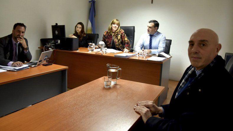 Tras saludar a la jueza federal Marta Yáñez y a los abogados querellantes