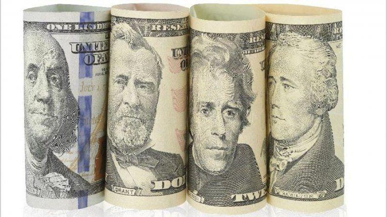El dólar cerró ayer su cotización a 25