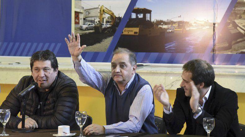 La presentación se realizó en el Ceptur y después Linares también habló del bono de endeudamiento y de la situación provincial.