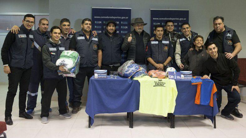 Desde el domingo y hasta el 1 de julio jugarán su 4to torneo de fútbol los bomberos de Comodoro Rivadavia.