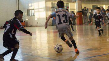 Con una fecha a pleno, la CAI le da continuidad a su torneo de fútbol de salón infantil.