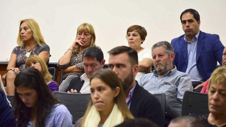 Trece usuarios y dos directivos de empresas fijarán postura sobre el aumento del colectivo