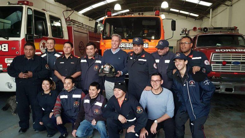 En el día del bombero, Arcioni visitó el Destacamento N° 1 de Comodoro