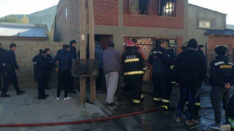 Los dos hombres rescatados del incendio permanecen con pronóstico reservado