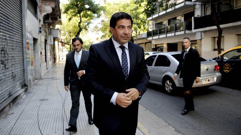 Confirman el procesamiento de Ricardo Echegaray por contrabando de autos diplomáticos