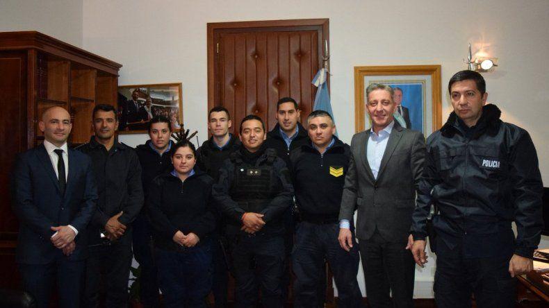 Reconocieron a los policías que rescataron a víctimas de incendio
