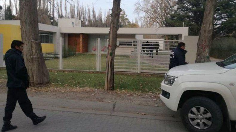 Foto: Cerca del mediodía de hoy se realizaron allanamientos en el domicilio de Trelew de Pablo Bastidas.