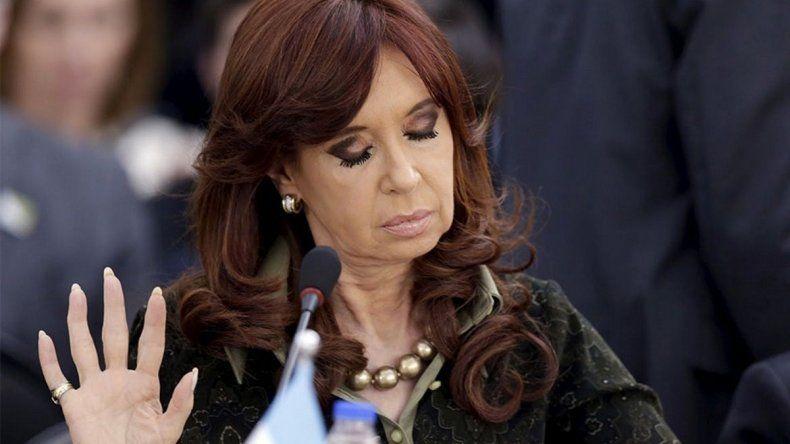 Extienden el plazo para el desafuero de Cristina Fernández