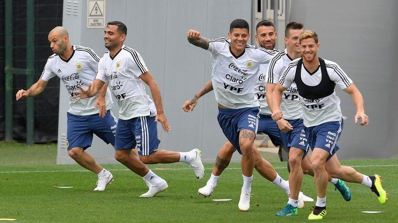 Los jugadores de la selección argentina entrenan en el centro de deportes Joan Gamper en Sant Joan Despíen