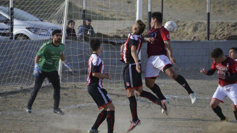 Deportivo Sarmiento tuvo mayor predominio y venció a Huracán