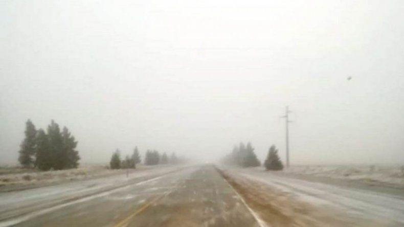 Rutas con hielo y banquinas con nieve