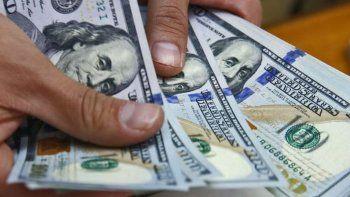 El dólar subió seis centavos a $25