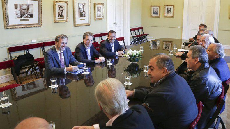 La reunión que funcionarios nacionales mantuvieron ayer en Casa Rosada con la cúpula de la Confederación General del Trabajo.