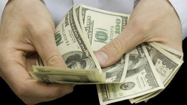 El dólar subió en Argentina arrastrado por la devaluación del real y el peso mexicano