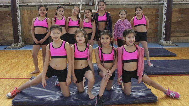 Diferentes coreografías pudieron apreciarse en el gimnasio municipal 2.