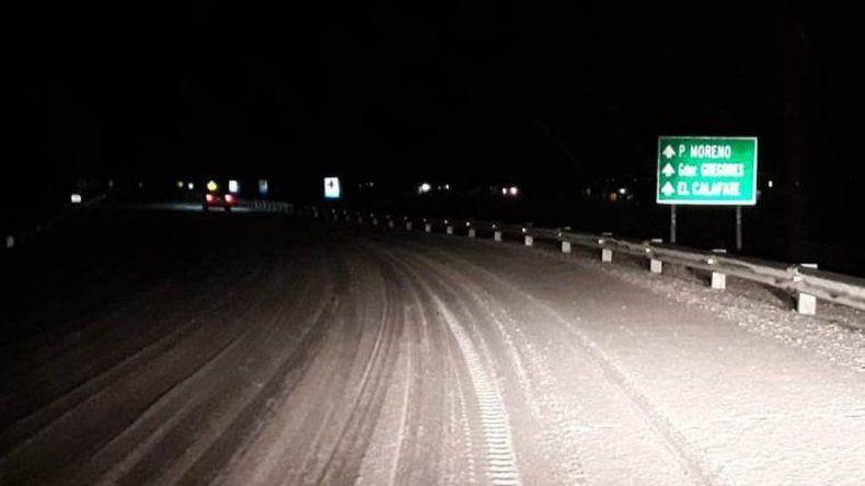 Por escarcha y nieve, piden circular con extrema precaución en rutas