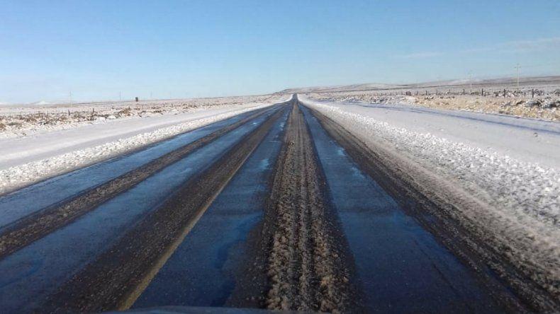 El sur de Chubut amaneció con nieve y heladas