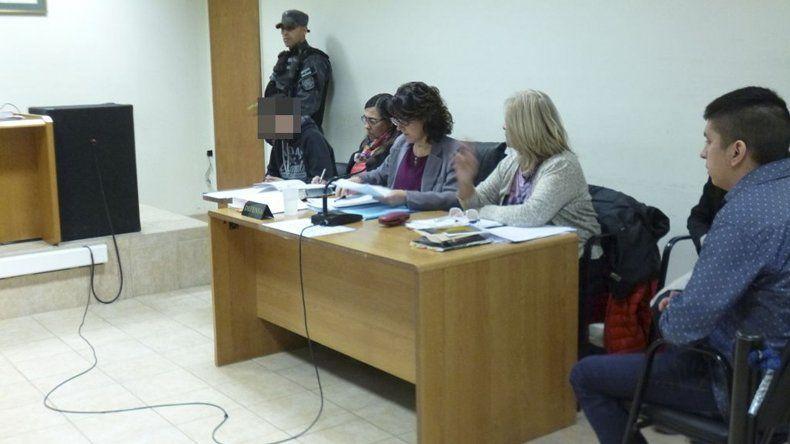 Matías Nieves y el menor de edad R.P.N. ayer fueron absueltos de culpa y cargo por el homicidio de Jonathan Vera