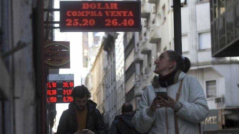 El dólar cotiza en alza a pesar del acuerdo firmado con el FMI.