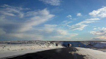 rutas humedas, resbaladizas y banquinas con nieve