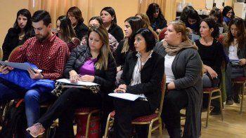Referentes de áreas sociales de municipios santacruceños participaron de una capacitación sobre sistemas de protección de la niñez, adolescencia y familia que se dictó en Cañadón Seco.