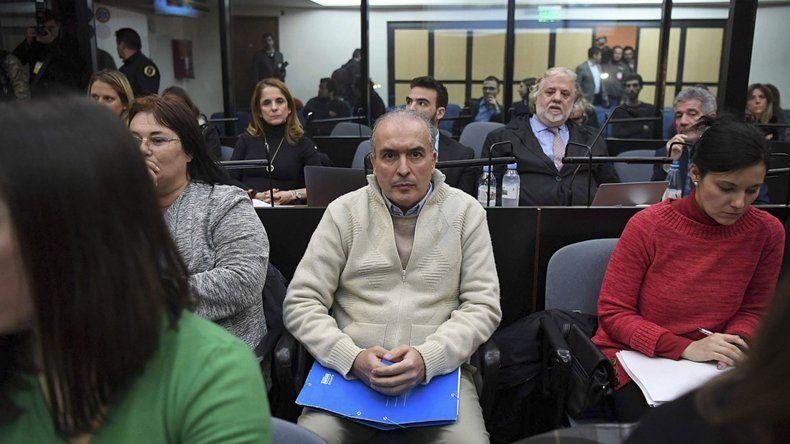 José López asistió a la audiencia de ayer. El juicio comenzaría el viernes 22.