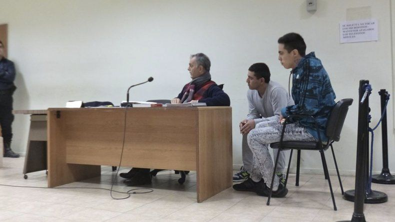 La prisión preventiva que vienen cumpliendo Víctor Hugo y Luis  Agustín Alcaina –padre e hijo– fue confirmada por la jueza natural y  reconfirmada por un tribunal colegiado.