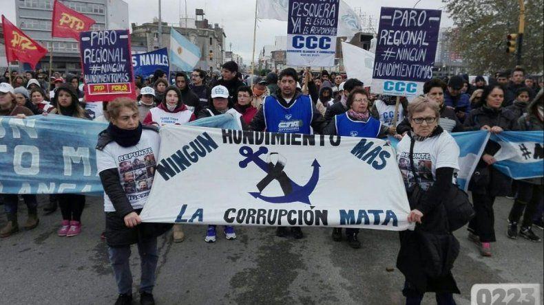 Marcharon en Mar del Plata para que  se intensifique la búsqueda del Rigel