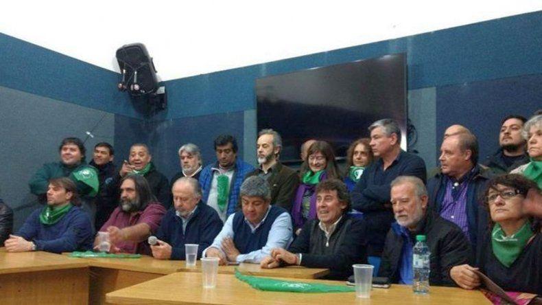Sindicatos ratificaron adhesión al paro de Camioneros