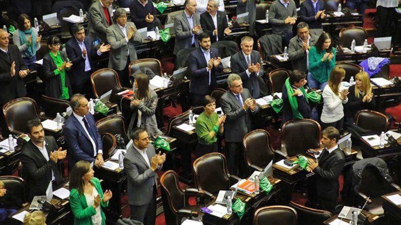 Los diputados que se vistieron a favor de la despenalización