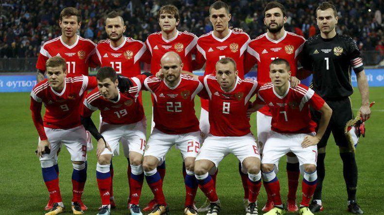 La selección de Rusia nunca superó la fase de grupos en tres participaciones mundialistas. En su casa