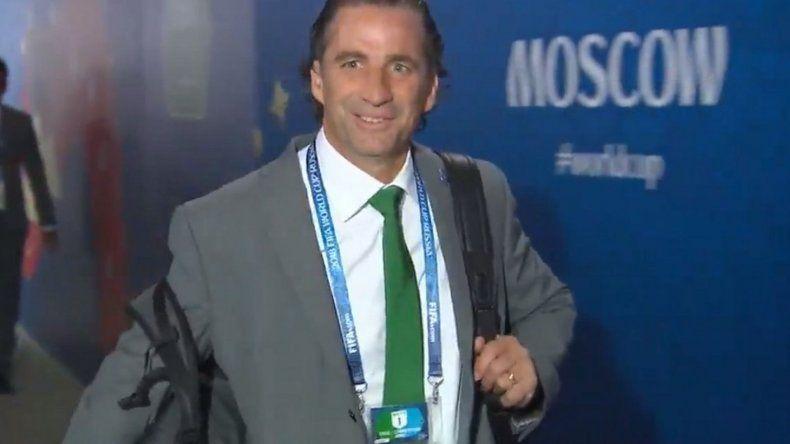 ¿Coincidencia?: la corbata abortera que uso Pizzi en el primer partido del Mundial