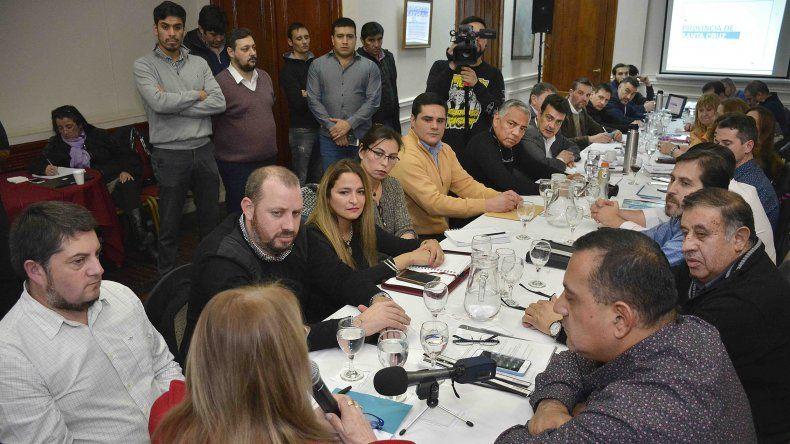 La gobernadora recibió a intendentes y presidentes de comisiones de fomento