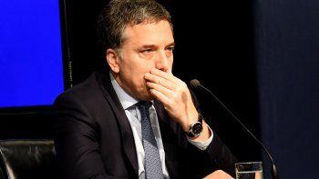 Nicolás Dujovne reconoció la pérdida de confianza del mercado al plan económico del Gobierno de Macri.