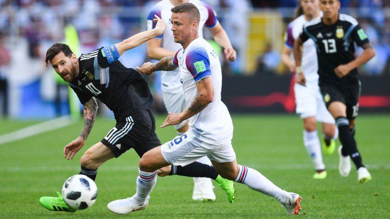 Argentina empató en su debut mundialista