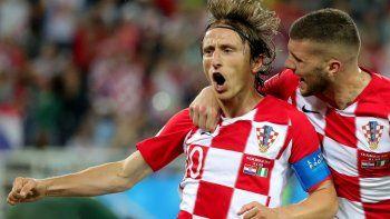 Modric festeja su gol de penal, con el que Croacia sentenció el resultado en el segundo tiempo.
