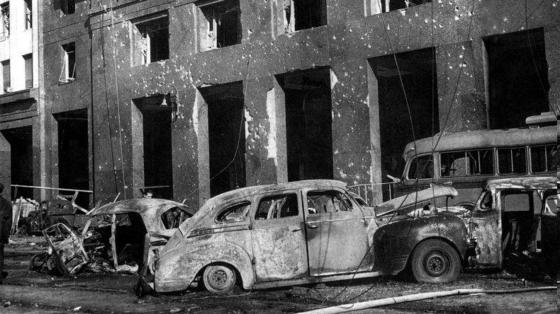 En ataque perpetrado el 16 de junio de 1955 por militares que pretendían derrocar al Gobierno constitucional de Juan Domingo Perón dejó más de 300 muertos.