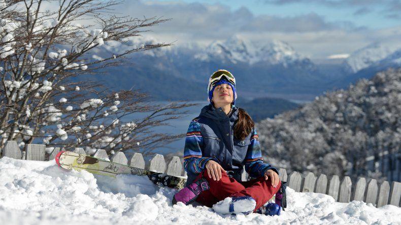 Llegó la nieve a Villa la Angostura y Cerro Bayo abre sus puertas para esquiadores