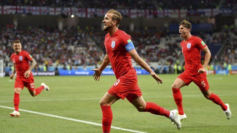 Harry Kane fue la figura del partido al marcar los dos goles que le dieron la victoria a Inglaterra sobre Túnez.