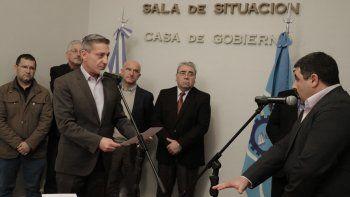 arcioni le tomo juramento a dos nuevos funcionarios
