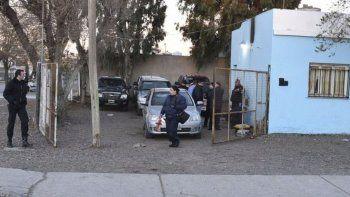 el oficial baleado fue intervenido y continua en terapia intensiva