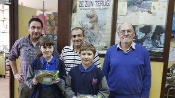 Los hermanos Ian Enzo y Rocío Giacosa fueron los ganadores del concurso fotográfico que celebró los 30 años del Laboratorio de Paleovertebrados de la UNPSJB.