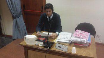 El funcionario de Fiscalía, Ezequiel Castro, presentó el caso ante el juez. Pidió seis meses para concluir la investigación.